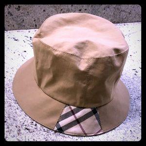 Burberry tan Nova check bucket hat
